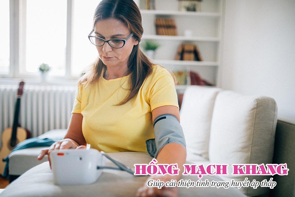 Đánh giá mức độ tụt huyết áp bằng máy đo huyết áp